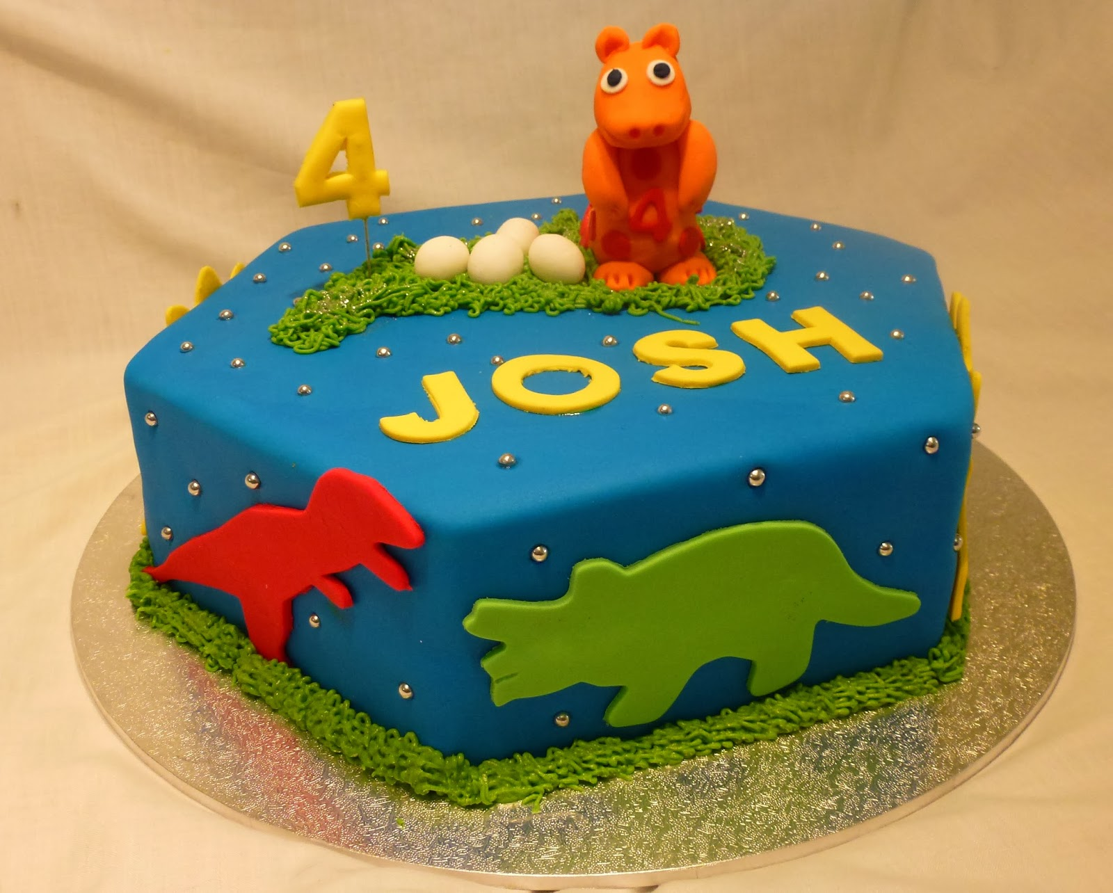 This Cake Celebrates The 4th Birthday Of A Little Boy Who Currently Loves Dinosaurs With Creative Freedom All Aspects I Chose Hexagon