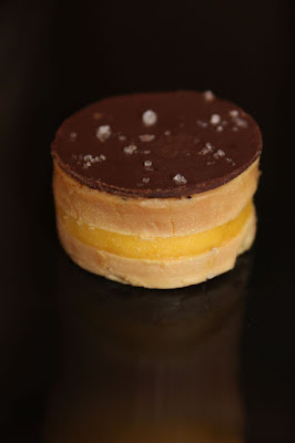 Bouchée foie gras mangue chocolat