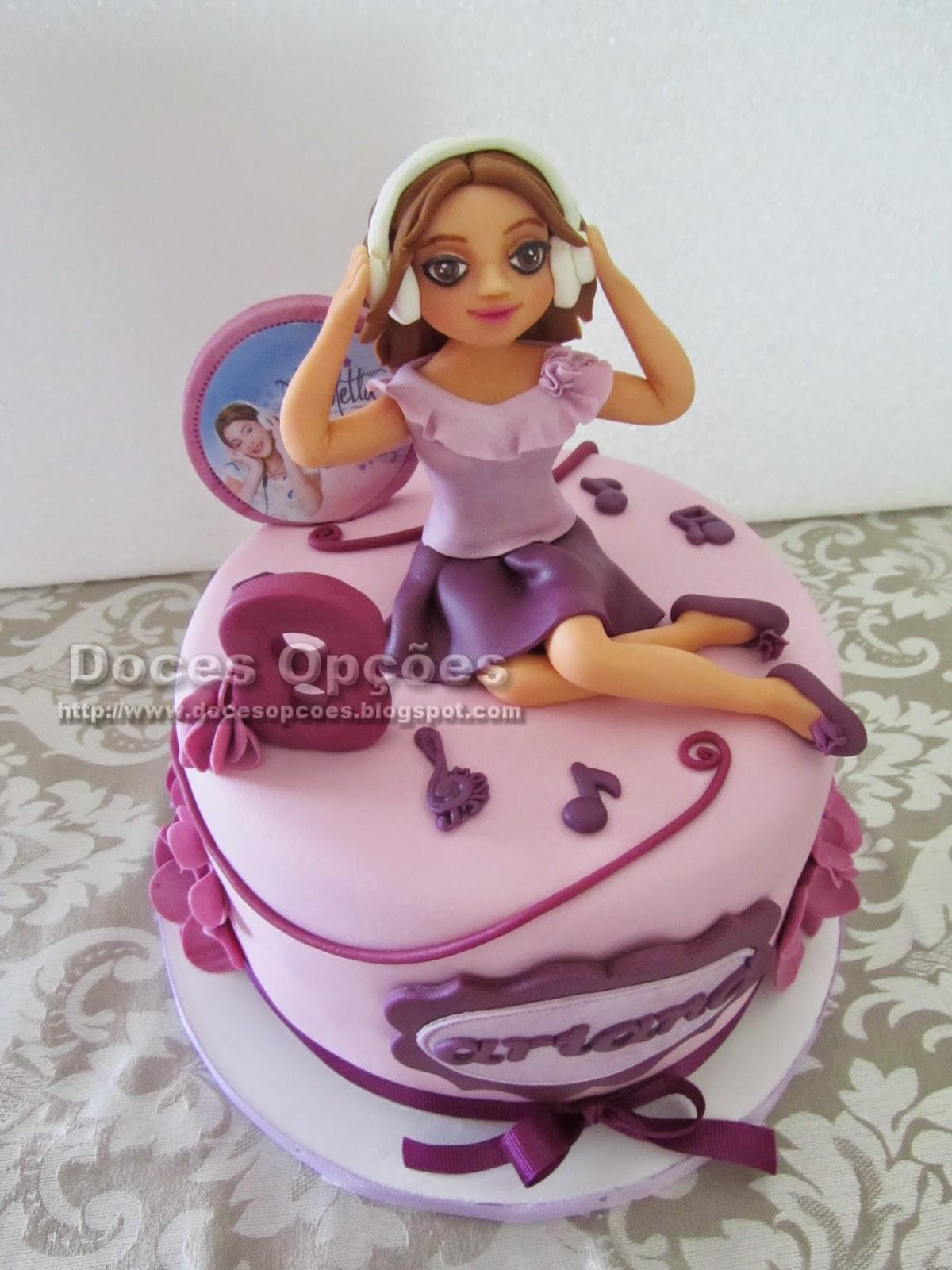 Bolo com a Violetta para o aniversário da Ariana