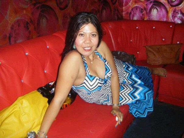 Inilah Foto Hot Tante Dewi Menggoda Banget