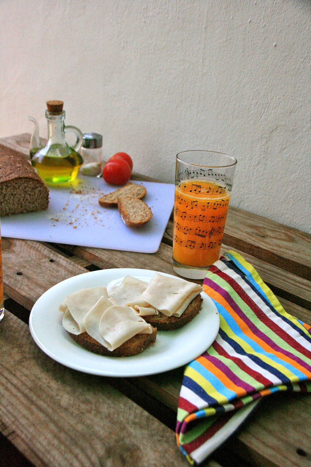 Desayuno salado con pan de molde de salvado
