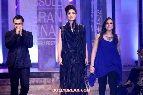 Kareena Kapoor - (11) - Kareena Kapoor walks at Lakme Fashion Week 2012 grand finale