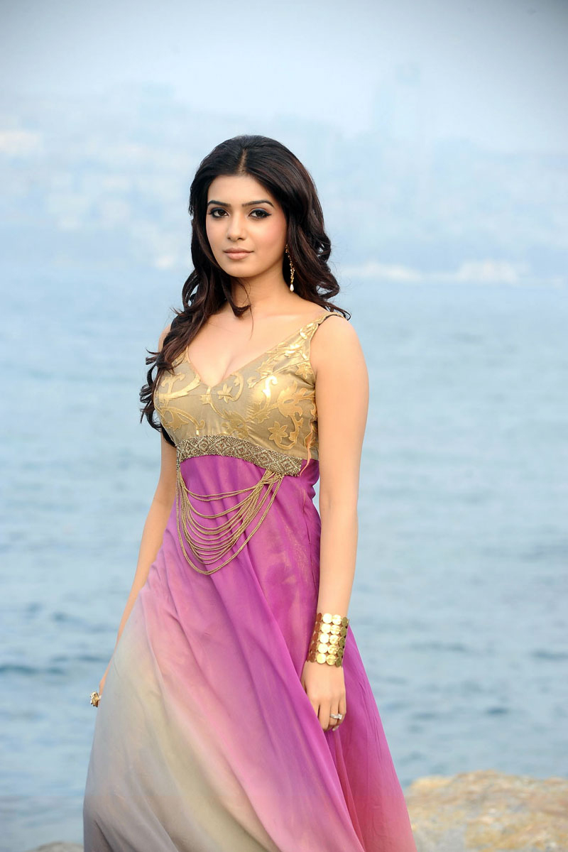 Samantha Photos In Tight Top From Dookudu
