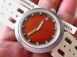 ROTARY COMPUS ORANGE DIAL - MANUAL WINDING - NEW OLD STOCK (NOS)