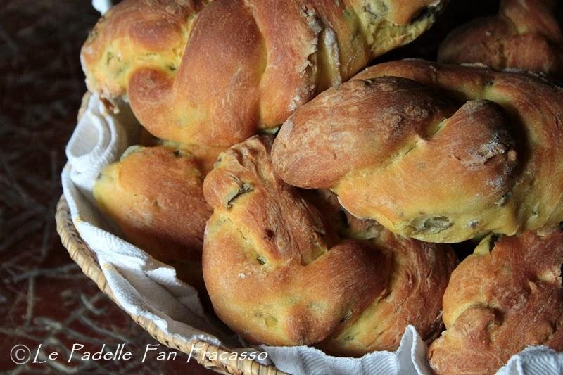 pane con olive e zafferano