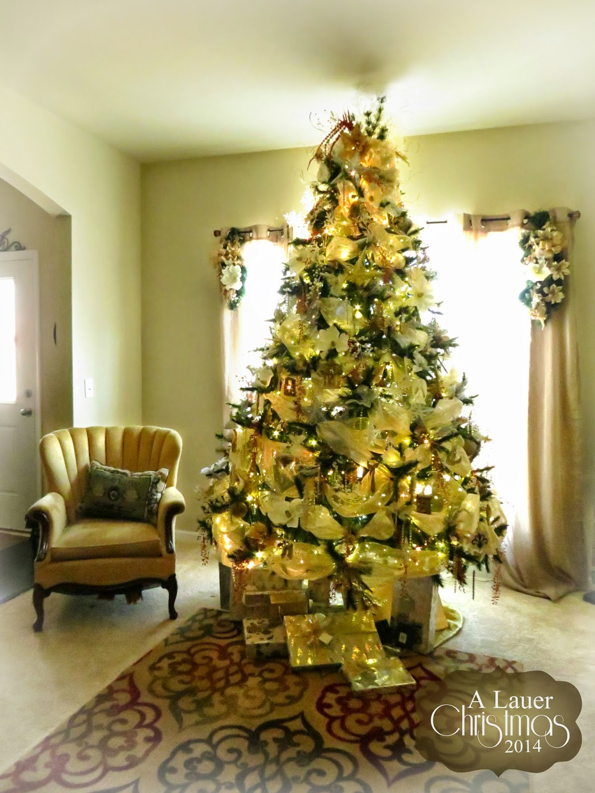 Uniquely Grace: A Lauer Christmas Home Tour - Oh, Holy Night - Entry ...