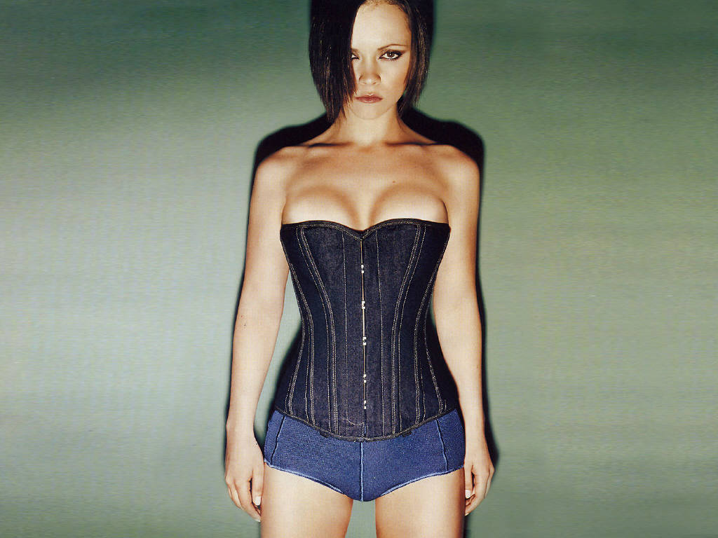 Christina Ricci Hot Pictures, Photo Gallery & Wallpapers