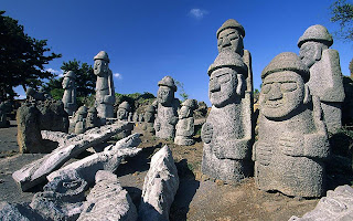 Wind & stone in Jeju island – Island of the Gods