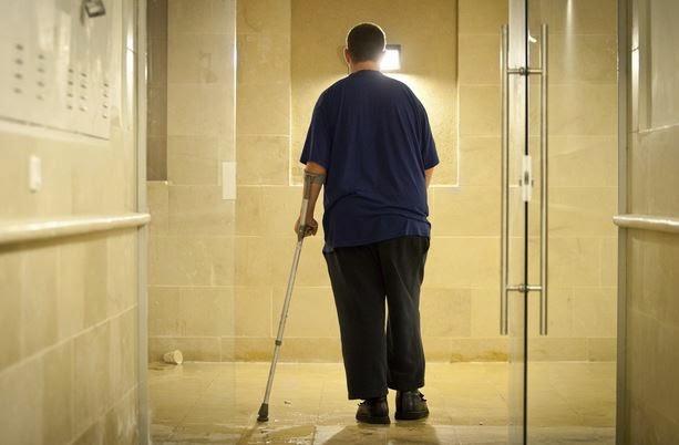 הונאות עמותת ש.פ.ר - שי, שמקבל כל שבועיים 500 שקלים מקצבת הביטוח הלאומי. צילום: דודו בכר