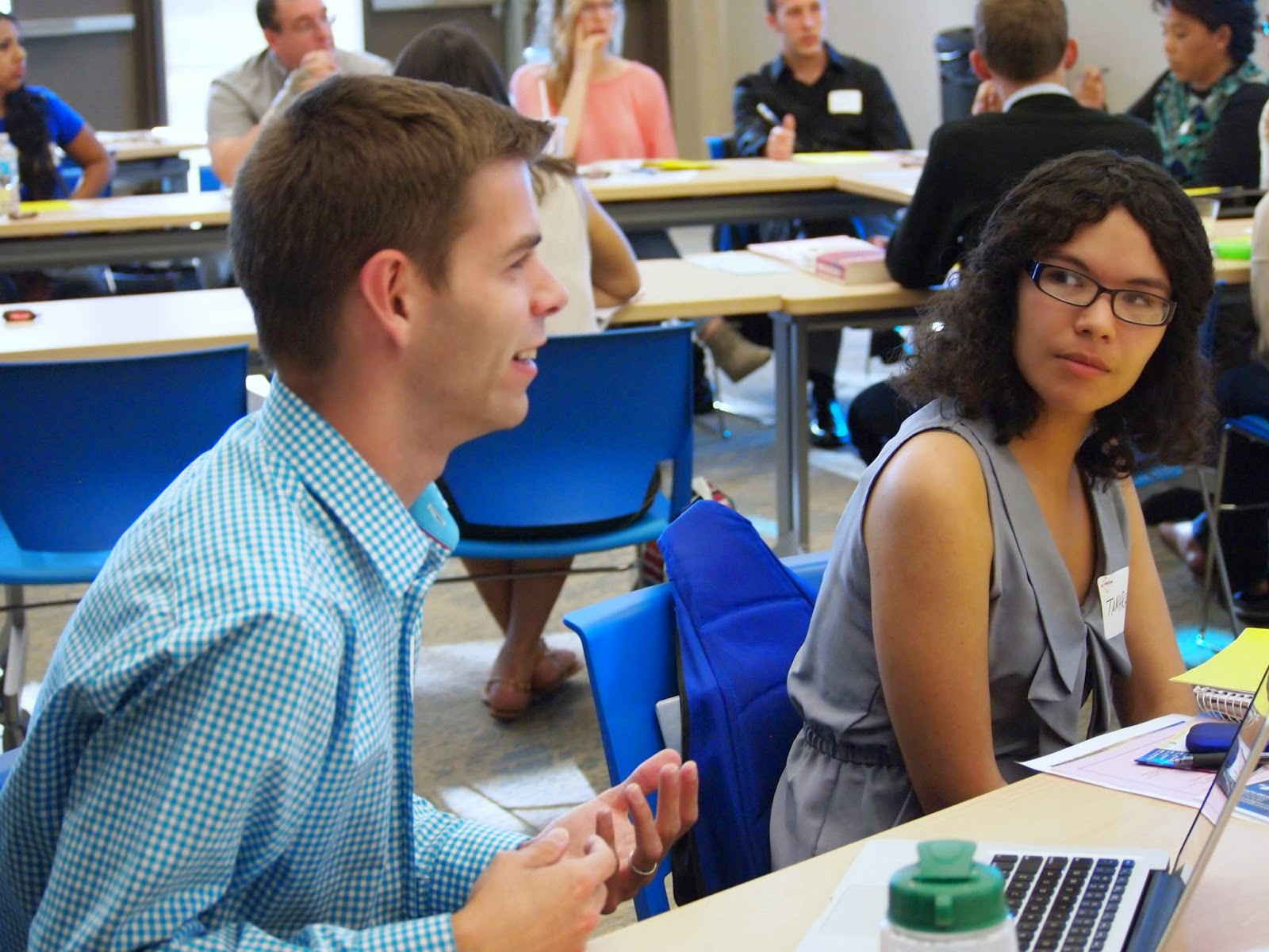 photo of students engaging in past Future Leaders discussions