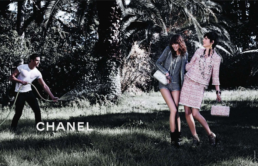 via fashioned by love | Freja Beha, Ines de la Fressange & Stella Tennant in Chanel Ready-to-Wear Spring 2011 Campaign (photography: Karl Lagerfeld)