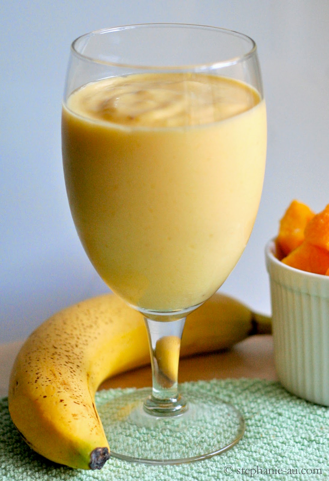 Guest Post & Mango Banana Smoothie Recipe |The Natural Beauty & Healt...