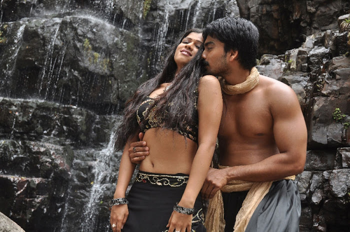 tamil movie Thalakonam latest hot seen pic