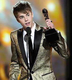 MÚSICA: Justin Bieber e Ivete Sangalo fenômenos de rentabilidade e falta de talento, em seus paises