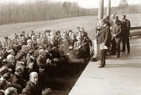 Roosevelt speaking from his porch. 4-2-1918