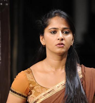 anushka half saree actress pics