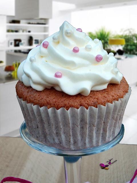cupcakes, cupcake, fresa, nata, nata montada, cupcakes de fresa,
