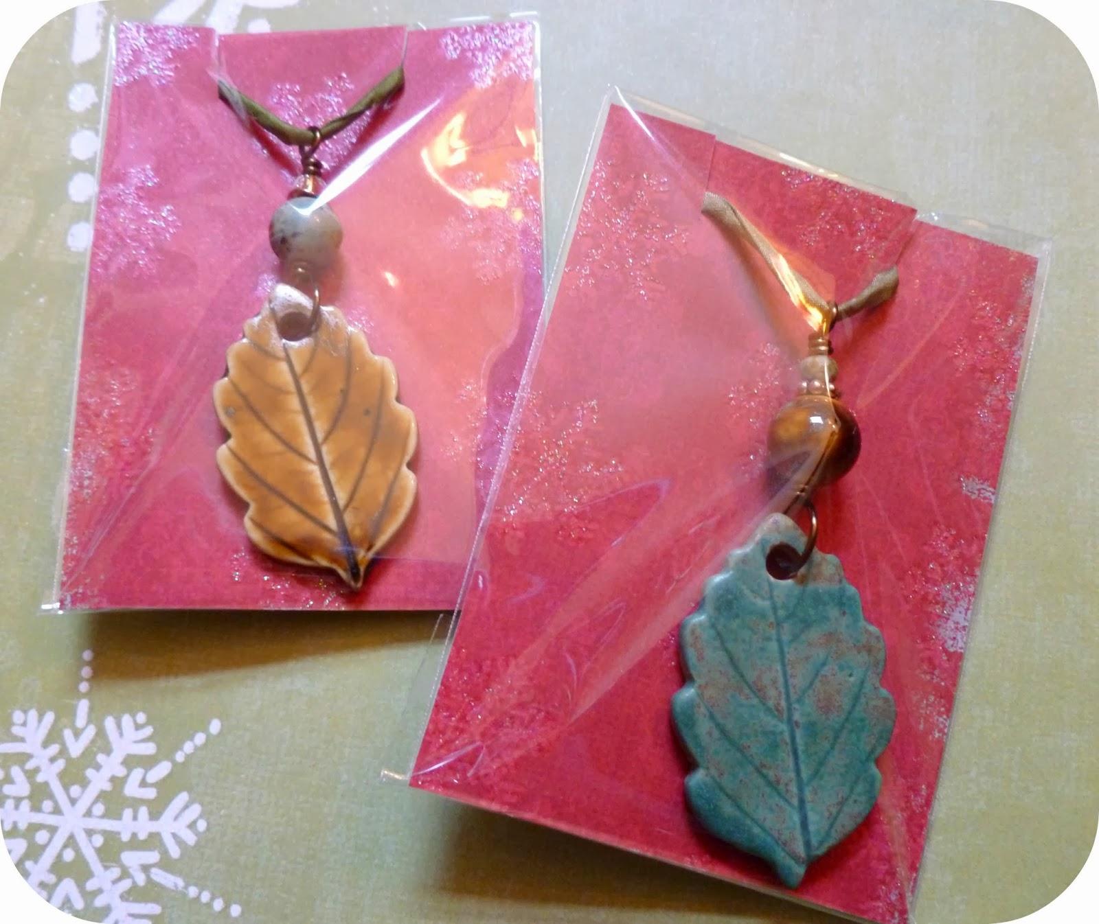Art jewelry elements cute minimalist gift wrapping for Minimal art jewelry