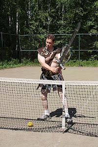 """Talonmiespalvelu, tennisvalmennus, muuttoapu, turvapalvelu """"Kullekin ansionsa mukaan"""""""