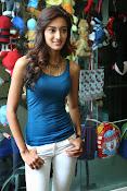 Erika Fernandez glamorous photos-thumbnail-16