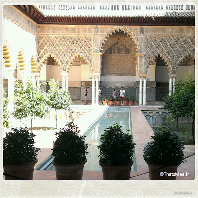 Seville El Real Alcazar cour fontaine arabe maure almohade