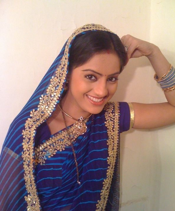 Star Plus Sexy actress Dipika Singh Diya aur baati hum