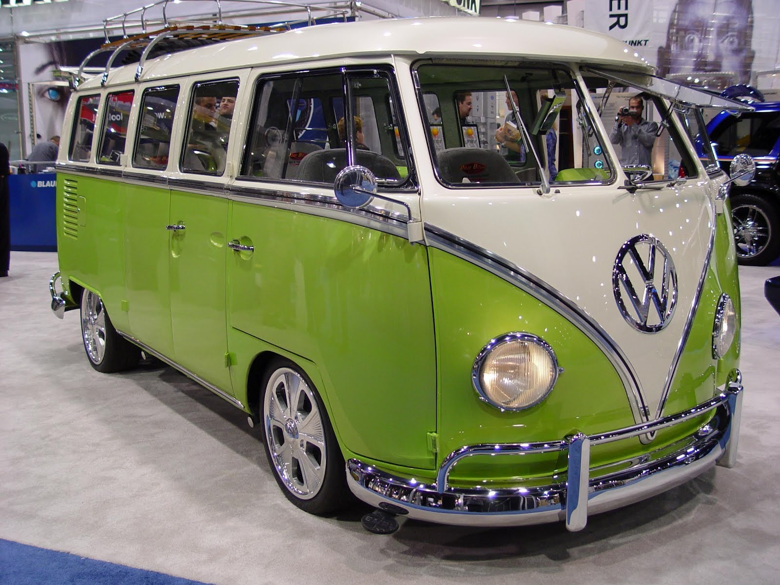 Moto Custom Volkswagen T2 Bus Pimp My Ride