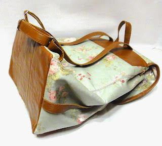 Городской рюкзак на лето для девушки: ламинированный хлопок и натуральная кожа