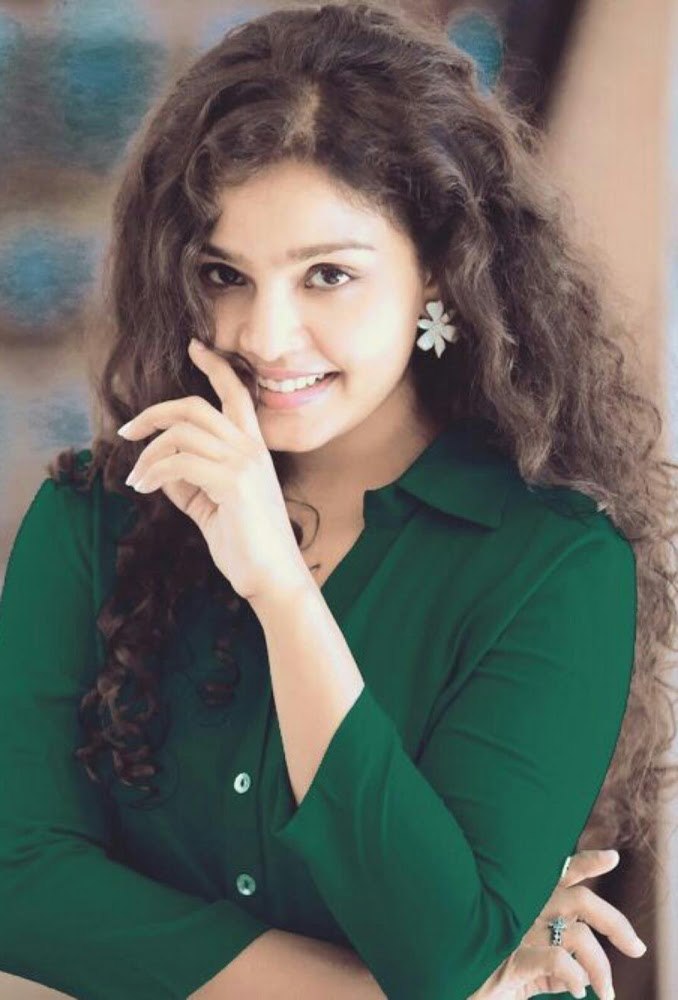 Actress Maya Portfolio Photos Gallery