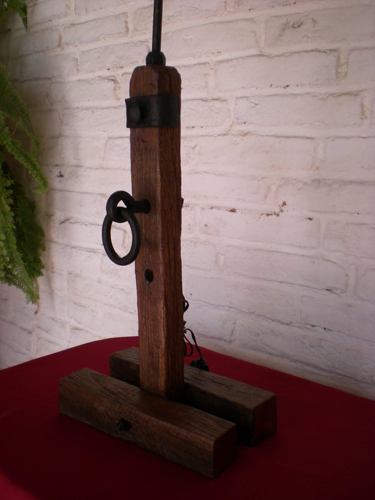 El fog n artesan as en madera r stica y hierro uruguay - Como hacer una lampara rustica ...