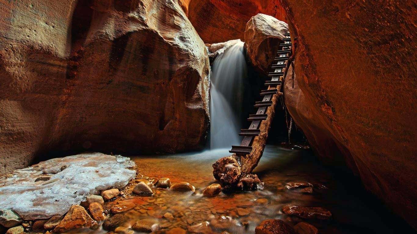 Kanarra Creek Falls in Utah (© Paul Didsayabutra/500px) 201