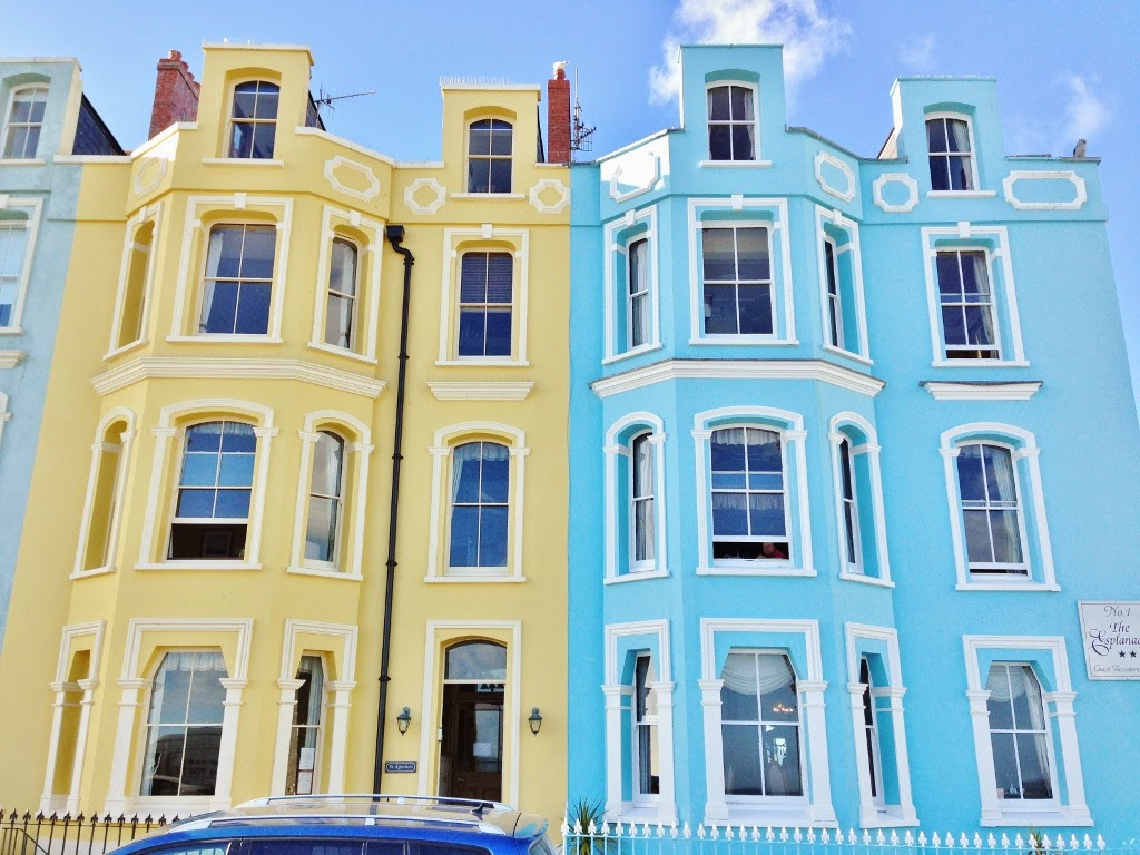 pastel coloured buildings tenby