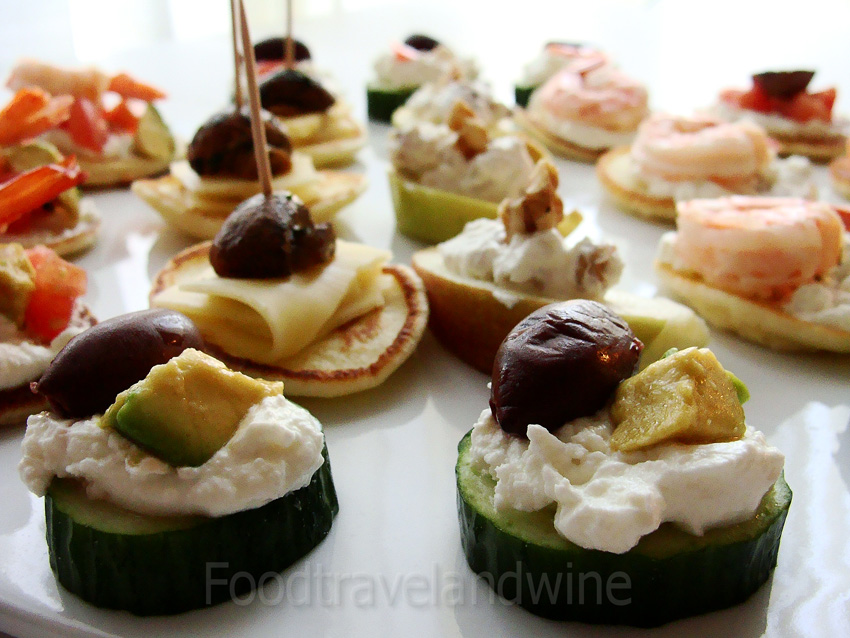 For the love of food travel and wine canapes for for Canape wines