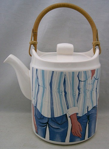 Vintage Carlton Ware Denim Ware tea pot www.retrotracevintage.co.uk