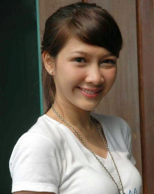 Gambar artis FTV Andrea Dian