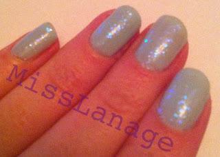 pretty glitter manicure