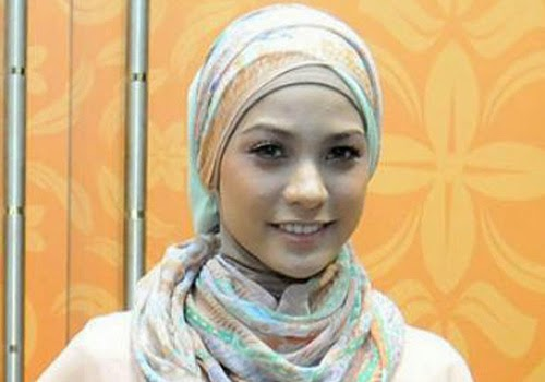 Video Rachel Maryam Ganti Baju - Blogsobcom