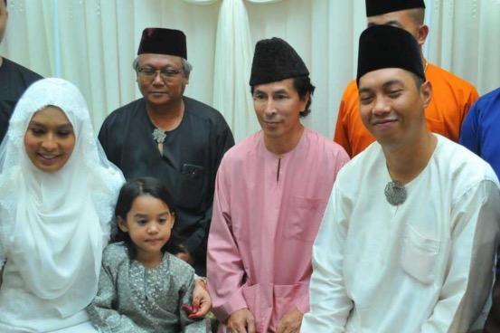 Jom berkenalan dengan suami Nabila Huda, Mohd Izwan Johar