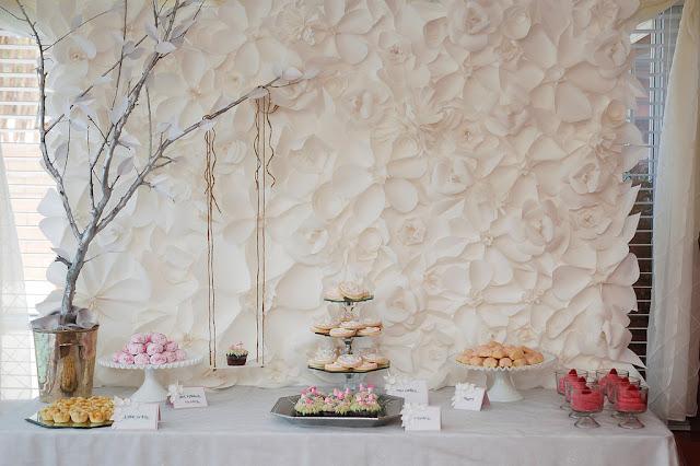 paso a paso para hacer bello mural hecho con flores de papel