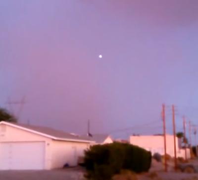 Glowing UFO Over Lake Havasu City Arizona, UFO Sightings