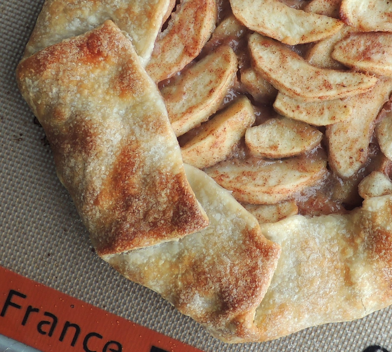 The Bake-Off Flunkie: Rustic Apple Crostata