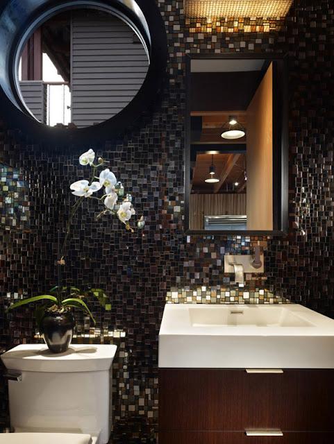 Ванная комната в доме на причале