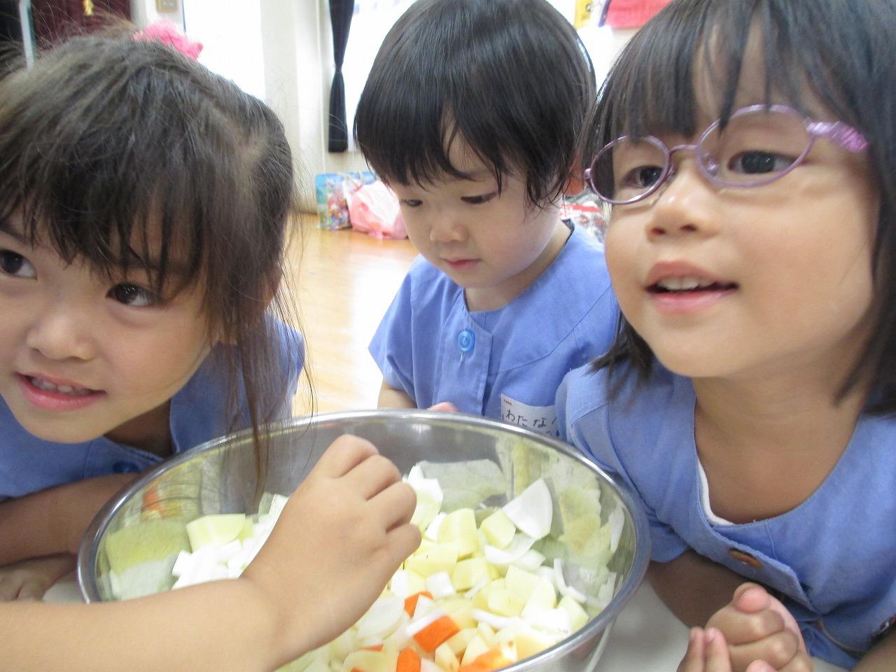 慎重に、慎重に 敬愛幼稚園のブログ・・・