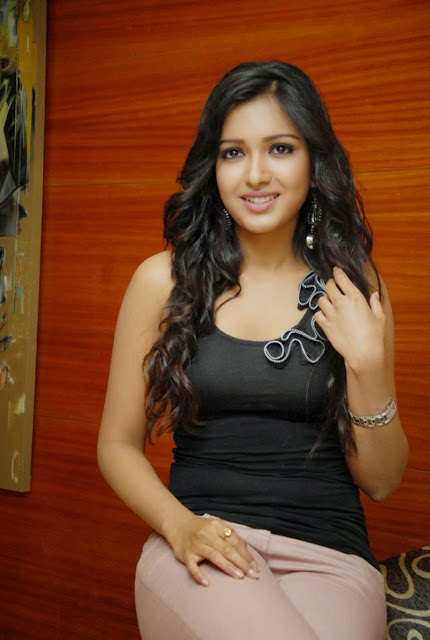 Catherine Tresa Hot Pics