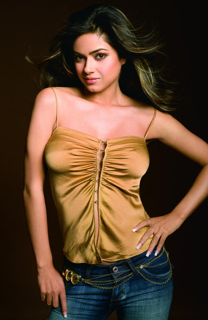 Watch Nila (alias for Meera Chopra) video