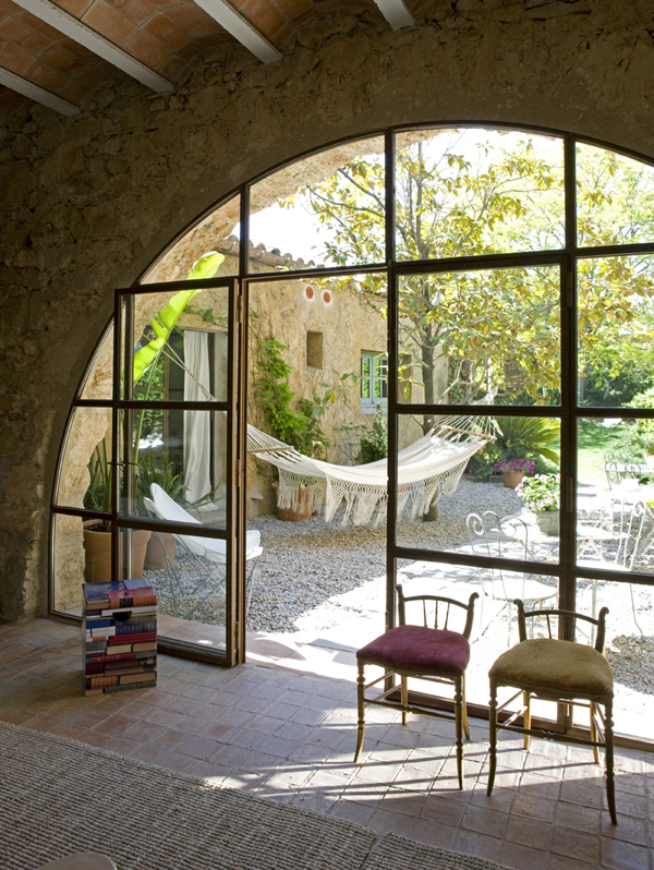 Hotel rural de luxe cerca de Barcelona-entrada patio