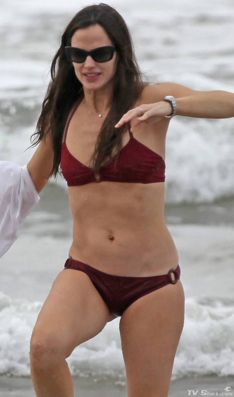 Jennifer garner bikini pic