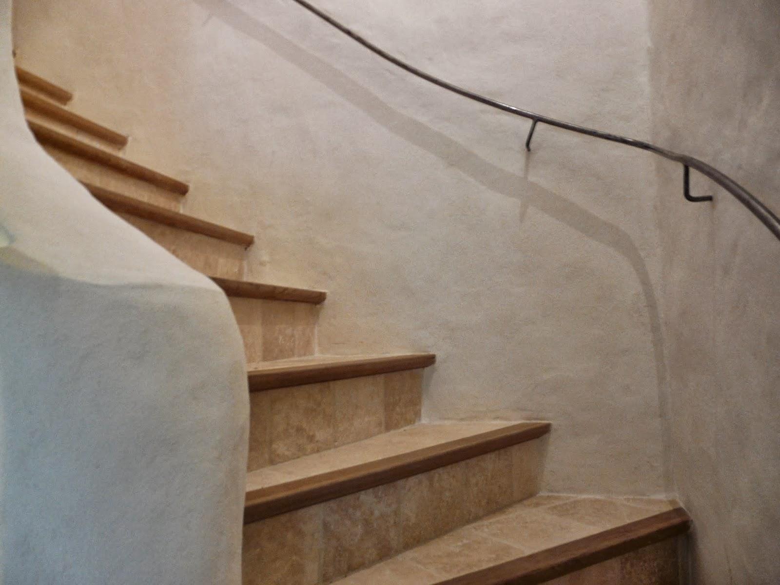 Patines and chaux les remparts de cuculles lauret for Enduit de chaux interieur