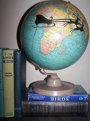 Santa Globe Christmas http://bec4-beyondthepicketfence.blogspot.com/