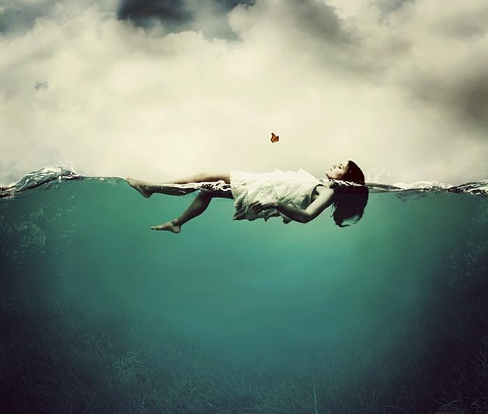 """""""Quem olha para fora sonha, quem olha para dentro desperta."""" Carl Jung"""